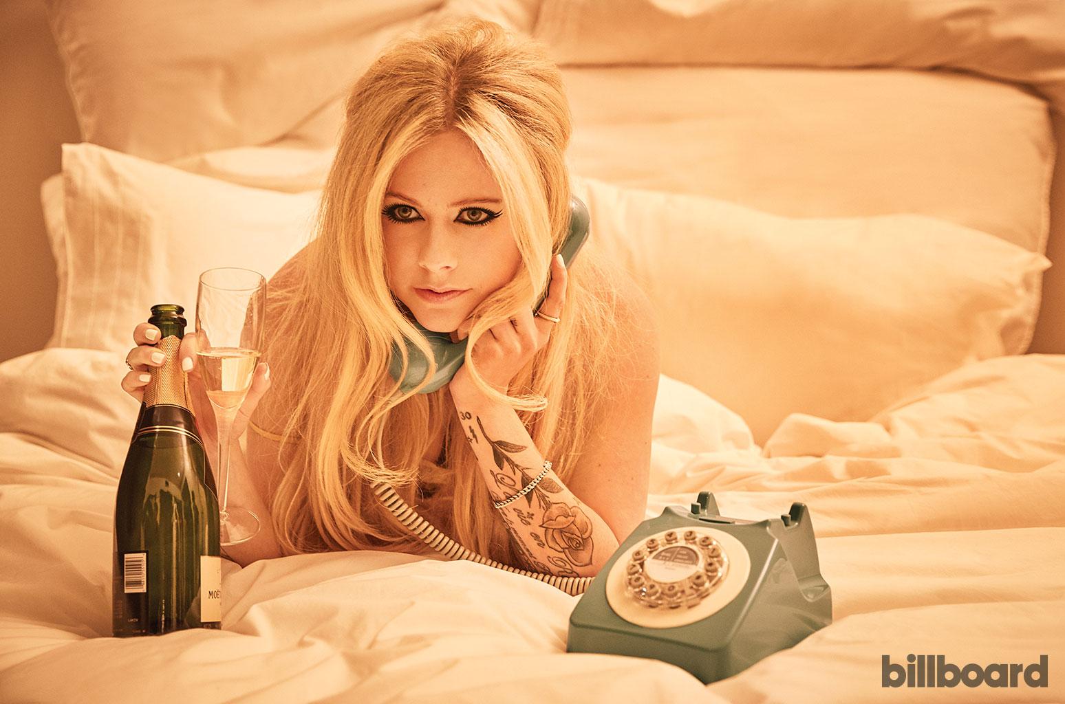 Известная певица рассказала, как провела в постели два года из-за болезни