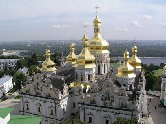 В УПЦ МП заявили, что имеют право пользоваться сооружениями Почаевской Лавры