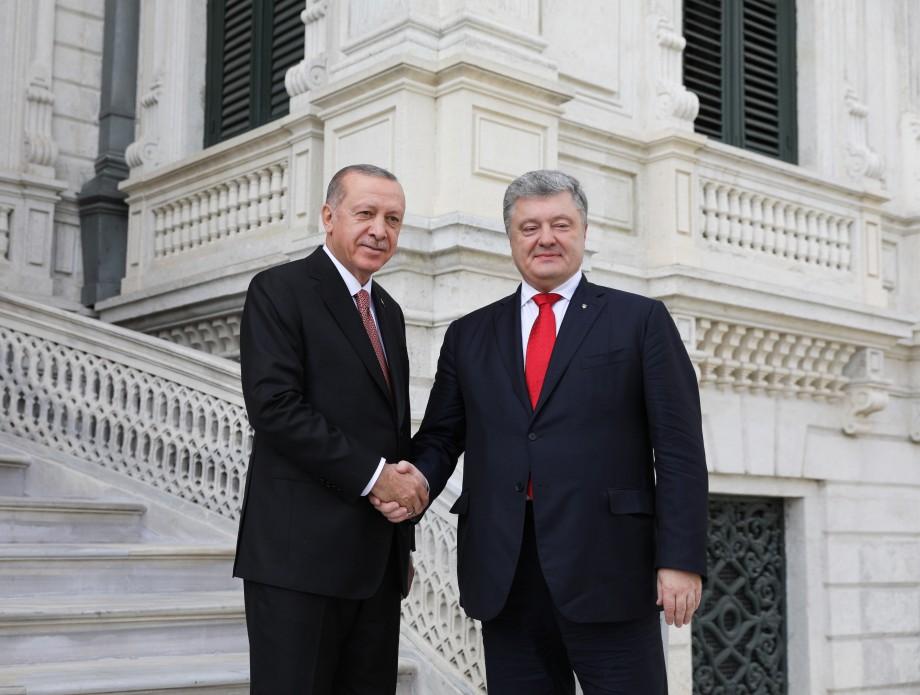 Порошенко предложил Турции поучаствовать в миротворческой миссии ООН на Донбассе