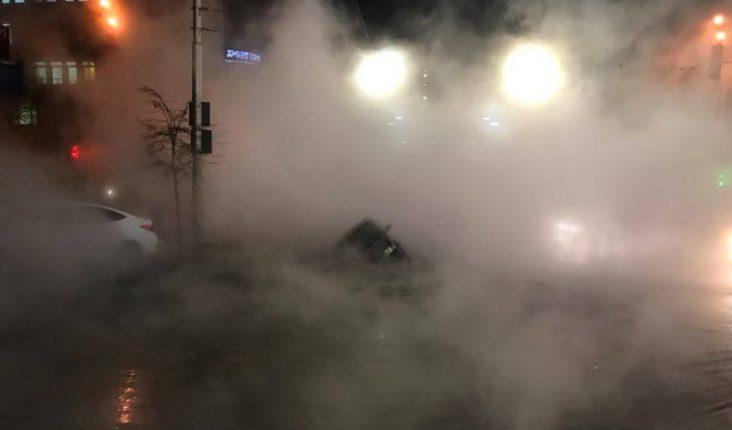 В Киеве восстановлено движение транспорта после аварии трубы