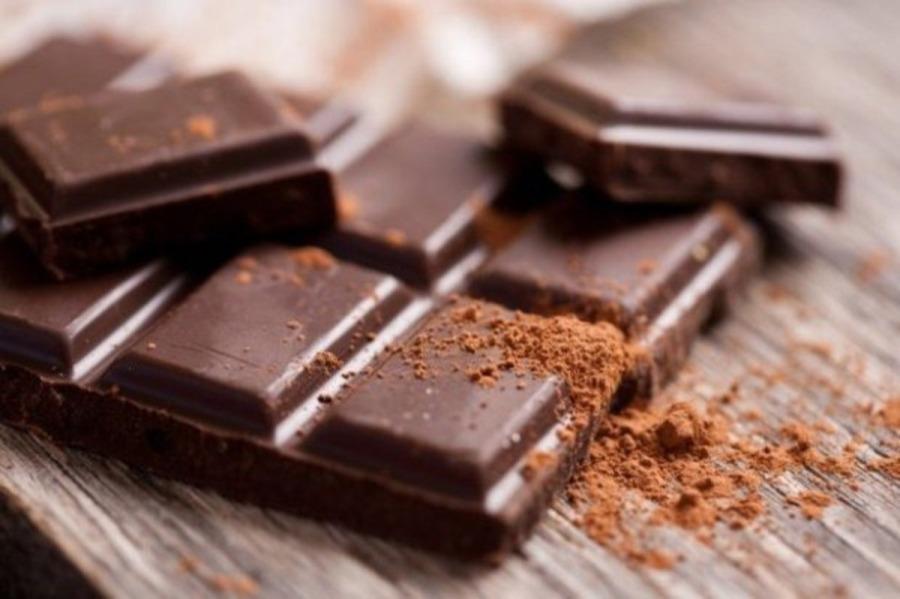 Диетологи рассказали, почему нужно есть горький шоколад