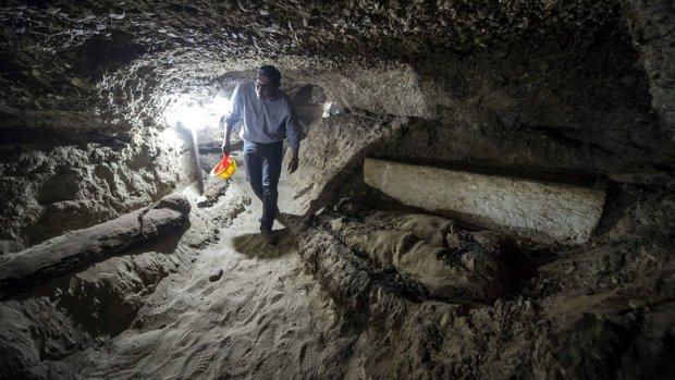 В Египте археологи откопали мумию пришельца