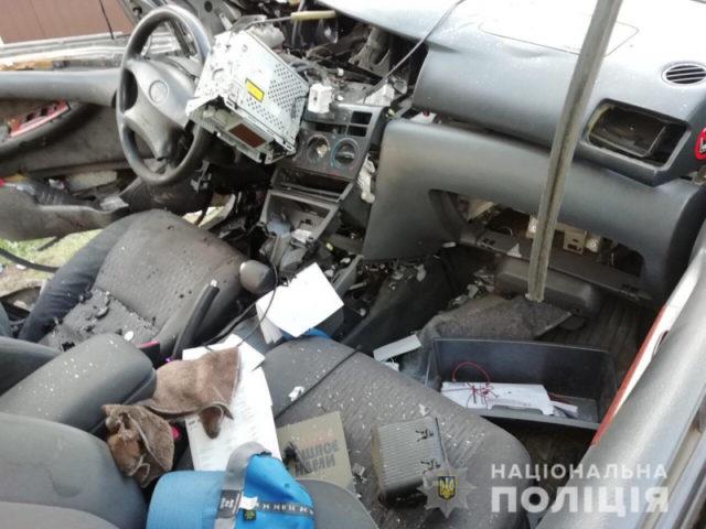 В Харькове мужчине забросили гранату в окно автомобиля