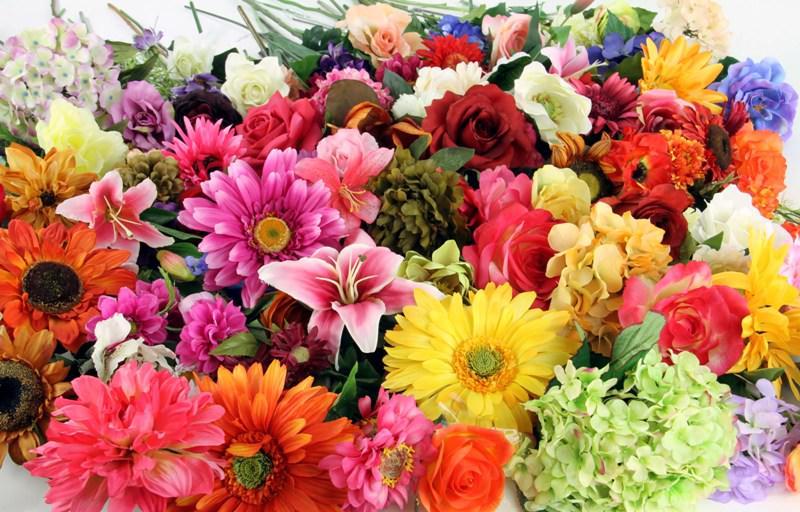 Искусственные цветы оптом в Полтаве по доступной цене