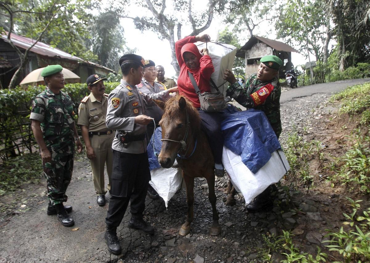 Будни жителей Индонезии в удивительных снимках