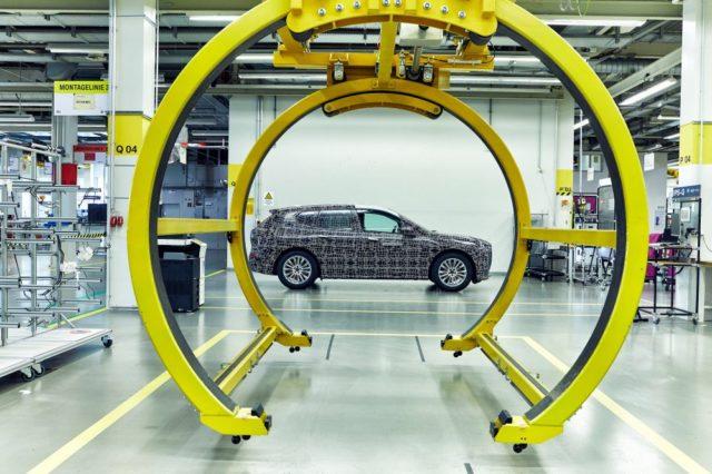 BMW показала новые фото электрического прототипа iNext