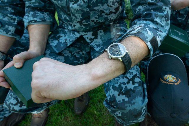 Зеленского пригласили на свадьбу прямо на встрече со спасенными моряками