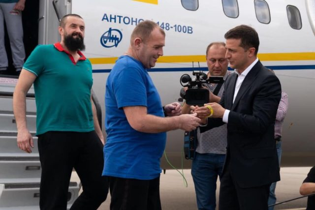 Как происходил обмен пленными между Украиной и Россией: лучшие кадры