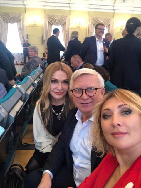 Зеленский провел официальную встречу с украинскими звездами