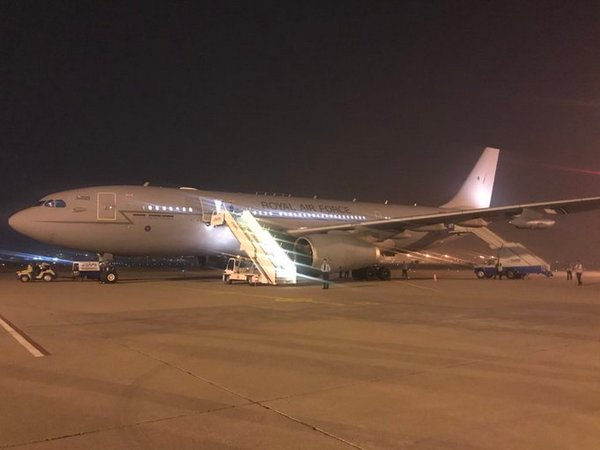 Самолет Кейт Миддлтон и принца Уильяма едва не разбился