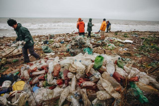 Определены бренды-лидеры по загрязнению Земли пластиком