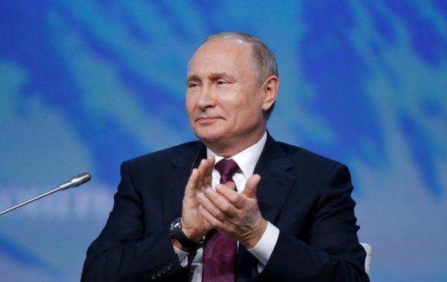 """Путин заговорил о второй """"холодной войне"""" и гиперзвуковом оружии"""