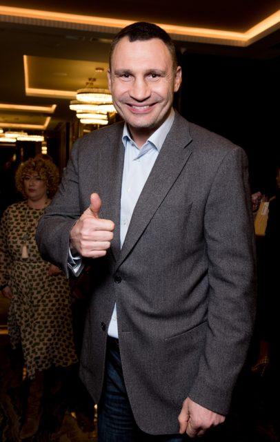 Кравчук, Саакашвили, Кличко и другие отгуляли на дне рождения Гордона