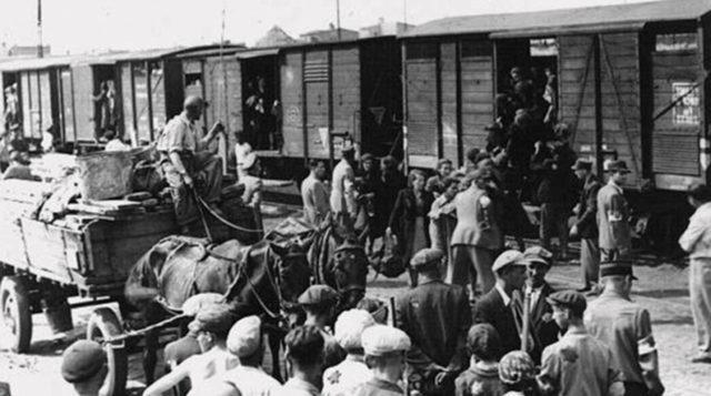 У Зеленского рассекретили документы НКВД по депортации крымских татар