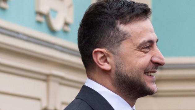 Зеленский обьяснил, почему пришел на пресс-конференцию небритым