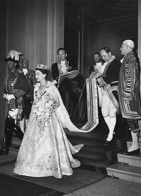 Представители Елизаветы II ответили на слухи об уходе с престола королевы