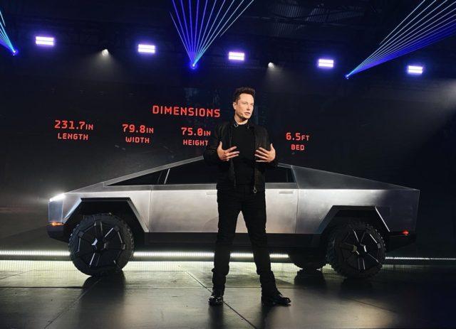 Маск анонсировал «говорящие» Tesla
