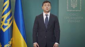 Рейтинг Зеленского рухнул почти в два раза