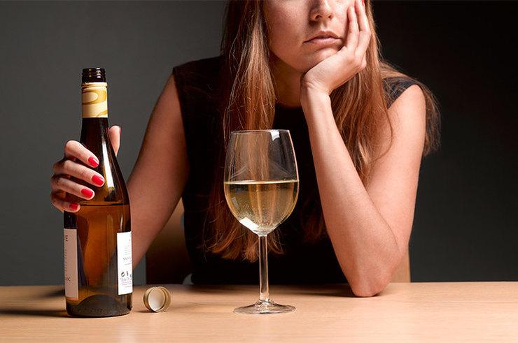 Вывод из запоя на дому и лечение алкоголизма