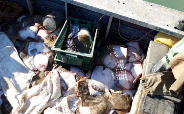четверо украинских рыбаков задержаны российскими пограничниками в азовском море 15 февраля