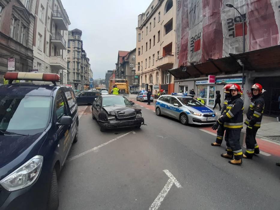 В Польше пьяный украинец разбил 8 авто