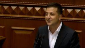 Зеленский срочно приедет в Раду на совещание со «Слугами народа»