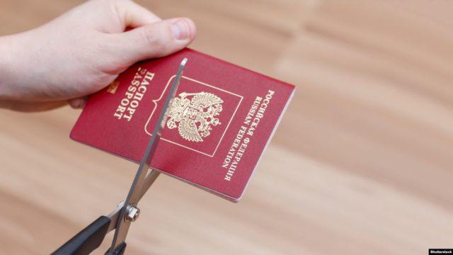 «Для близких к России»: Путин поручил провести миграционную реформу