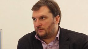 Украинцам объяснили, как повлияет обвал рынка нефти на ценники АЗС