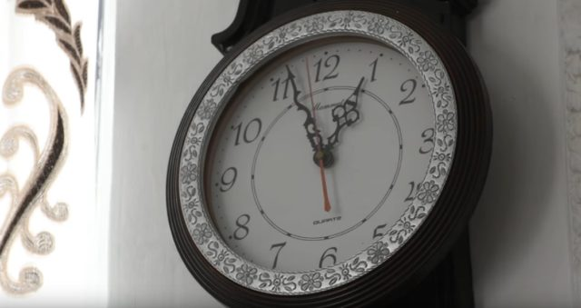 Украинцам напомнили, когда переводить часы на летнее время