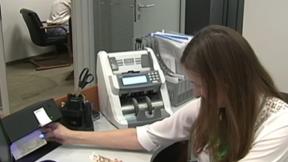 Паника из-за коронавируса спровоцировала дефицит налички в банках