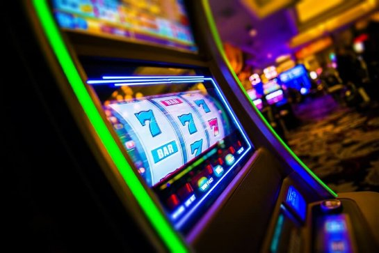 казино Cosmolot скачать приложение на андроид.