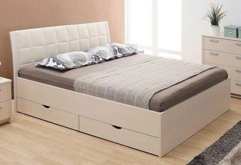 Двуспальные кровати на все случаи жизни