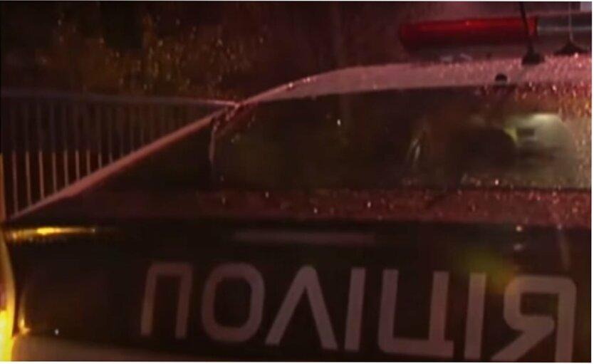 Таксист сбил девушку на переходе: видео