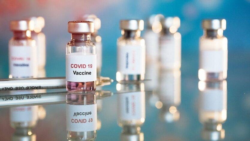 Записаться на COVID-вакцинацию можно через «Дію» - Минздрав