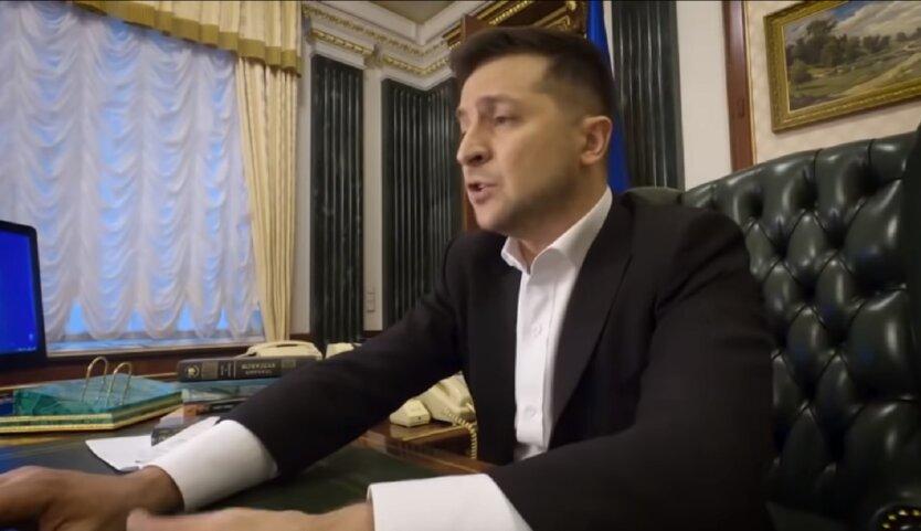 Экономист рассказал, кого должен винить Зеленский в потере рейтинга