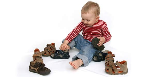 Что нужно знать про выбор детской обуви с 0 до 15 лет?