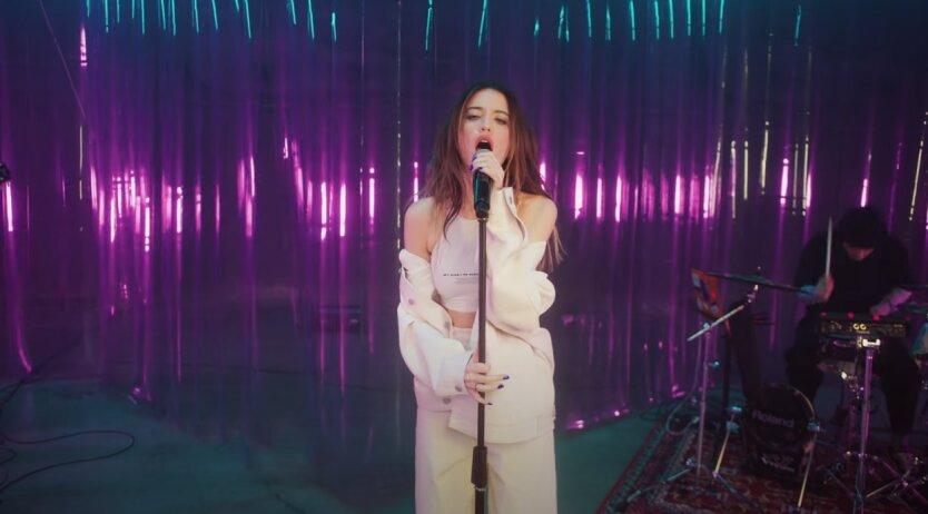 Дорофеева выпустила первый сольный альбом