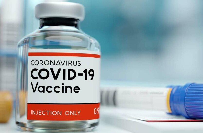 Зеленский освободил производителей COVID-вакцин от ответственности