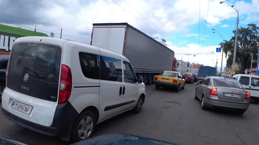 В Киеве на восемь месяцев ограничат движение в части города