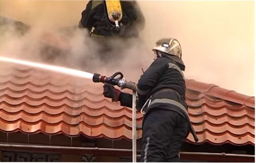 Украинка подожгла здание Пенсионного фонда из-за мизерных выплат