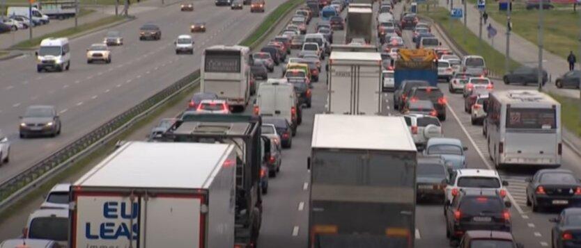 В Киеве с 1 апреля отменят ограничение скорости на 7 улицах