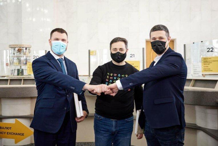 Владислав Криклий, Михаил Федоров, Игорь Смелянский, Укрпочта