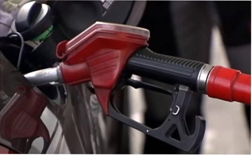 Цены на бензин могут снова вырасти, — эксперт