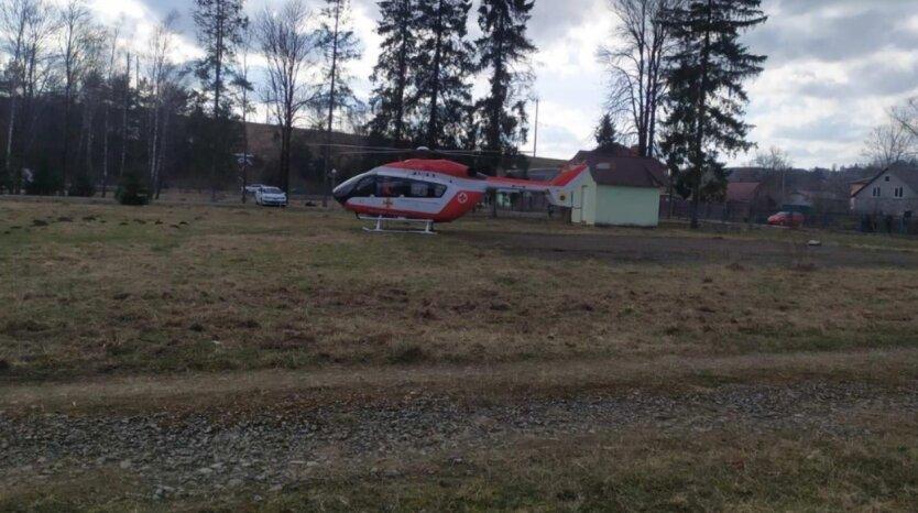 В Украине пациента впервые доставили в больницу на вертолете