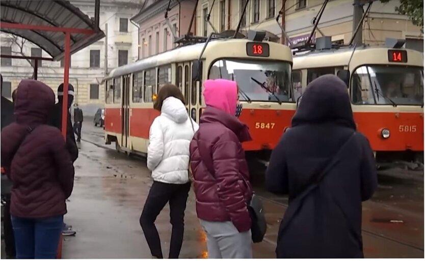 Киевлянам напомнили об запретах с 5 апреля: список